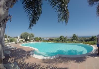 Casa Vacanze Residence Latruvatura Bilocali In Villa Con Piscina
